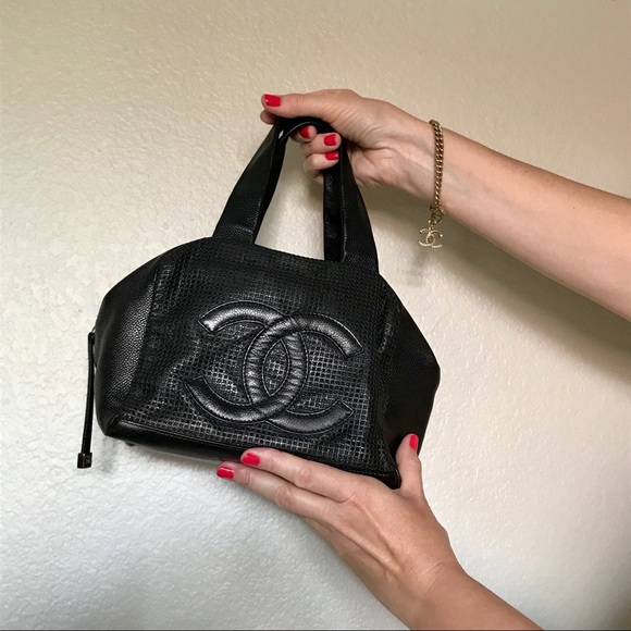 64fbb57a8869bd CHANEL Handbags - Auth Chanel Black Caviar CC Satchel Bowler Bag